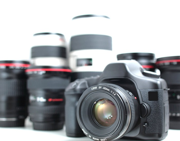 DSLR & Lenses (Modern hi-end professional photographic equipment